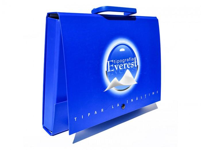 Personalised cardboard briefcase